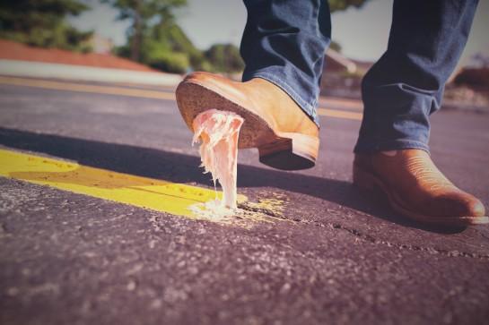 expresiones moco chicle pegado zapato zoom